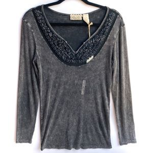 BKE gimmicks Distressed Long Sleeved Thermal Top